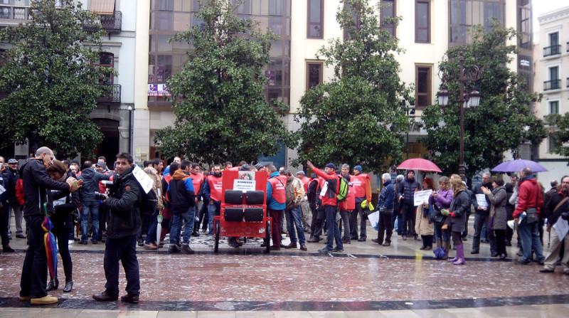protesta bomberos pleno ayuntamiento de granada enero 2015